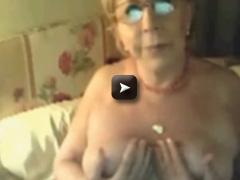 Gisele 74 ans a 4 pattes et elle aime ca
