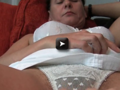 OlderWomanFun Hairy granny pussy with sexy ass