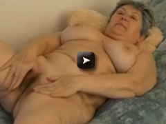 OmaPass Chubby Granny with big Tits and play with dildo