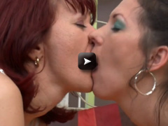 Mature NL Three mature housewifes have a lesbian party