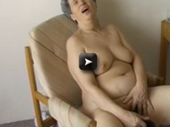 OmaPass Granny with toy and carrot masturbation